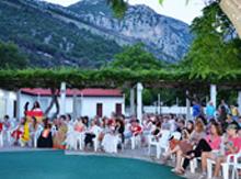 испанская колония вся в сборе, пришли поддержать своих выступающих