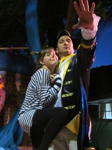 Крыска Иринка, бегущая с корабля аниматоров, и капитан, пытающийся ее удержать