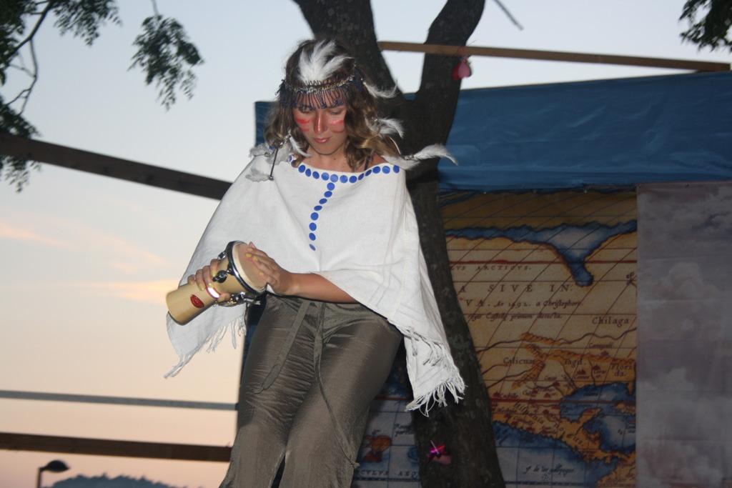 Встречайте! Представитель индейцев - Куропатка Три Пера!